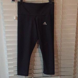 Adidas Ladies Capris Sz XS